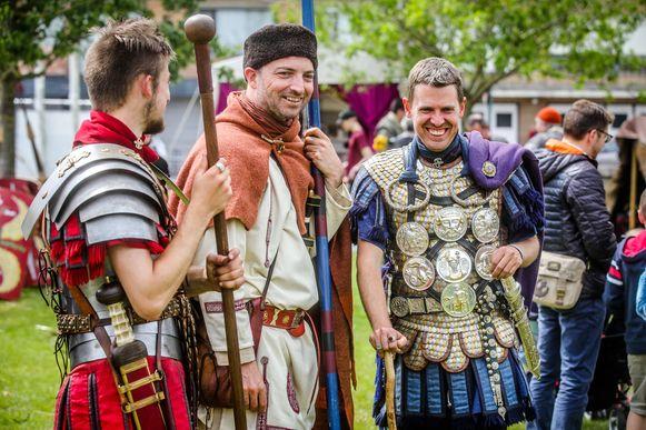 ©Benny Proot  Stoere Romeinen bezetten het Abtspark in Oudenburg. ...